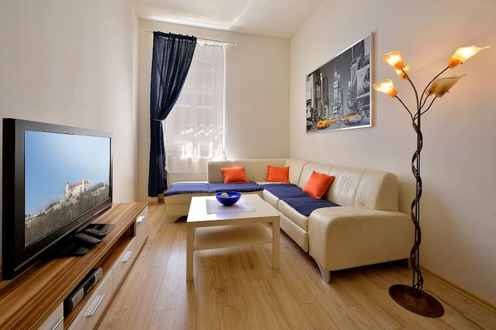 1 BDR Apartment Dunajska 22 - Bratislava - Flat