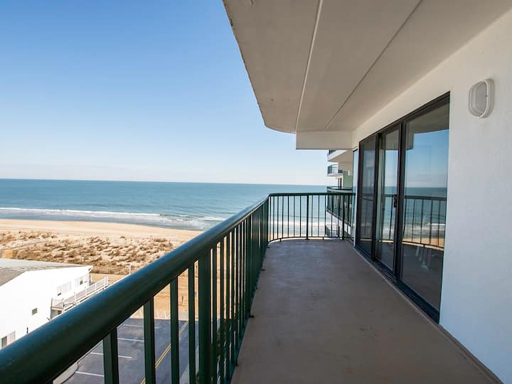Summer Beach 706 - Oceanfront (Side), Linens Included
