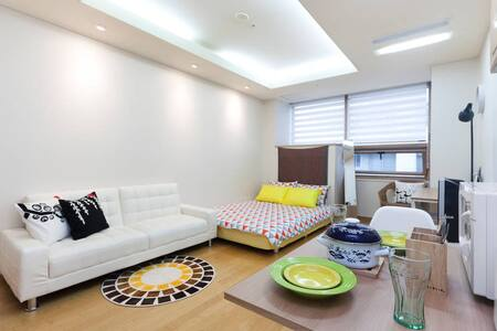 Seoul Best Location★Billy's Studio - 종로구 - Apartmen