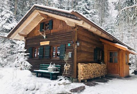Jagahüttn - traumhaft gelegene Berghütte am Eibsee