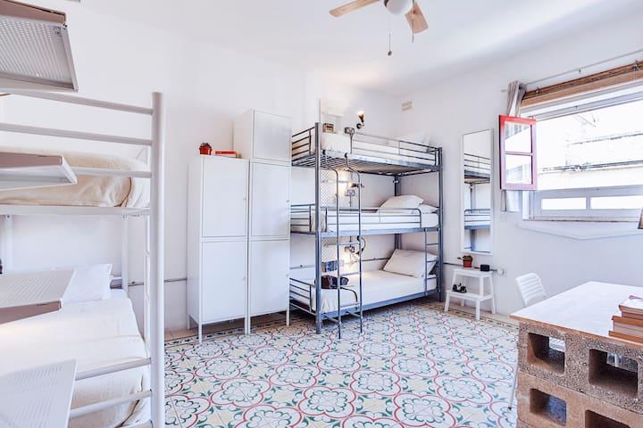 5 bed Mixed dorm