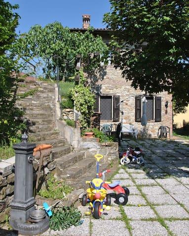 Casa in sasso panorama mozzafiato - Savigno
