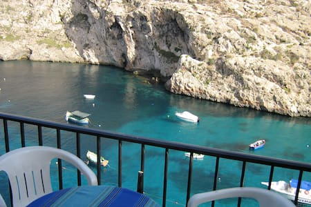 Waterfront apartment in Xlendi bay - Byt