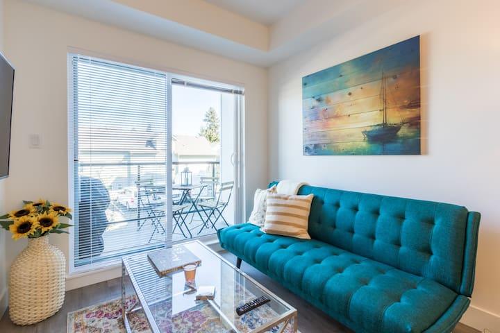 Beautiful, Modern Apartment