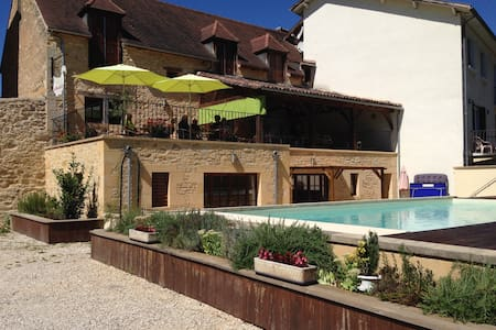Comfortable family home and pool nr Sarlat - Daglan