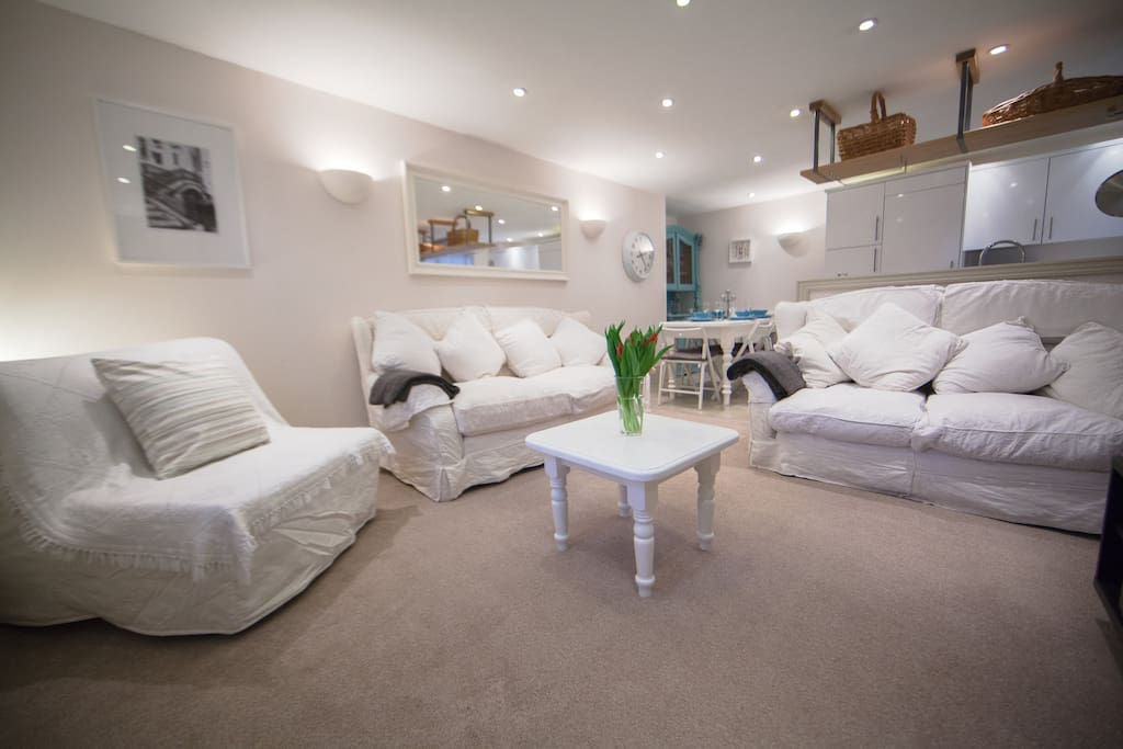 The open plan space is great for you to gather and relax together. Equipped with a large flat screen TV with Sky satellite tv, DVD player and surround sound. There is a single sofa bed in here too.