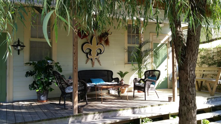 HISTORIC BYWATER VACATION HOME