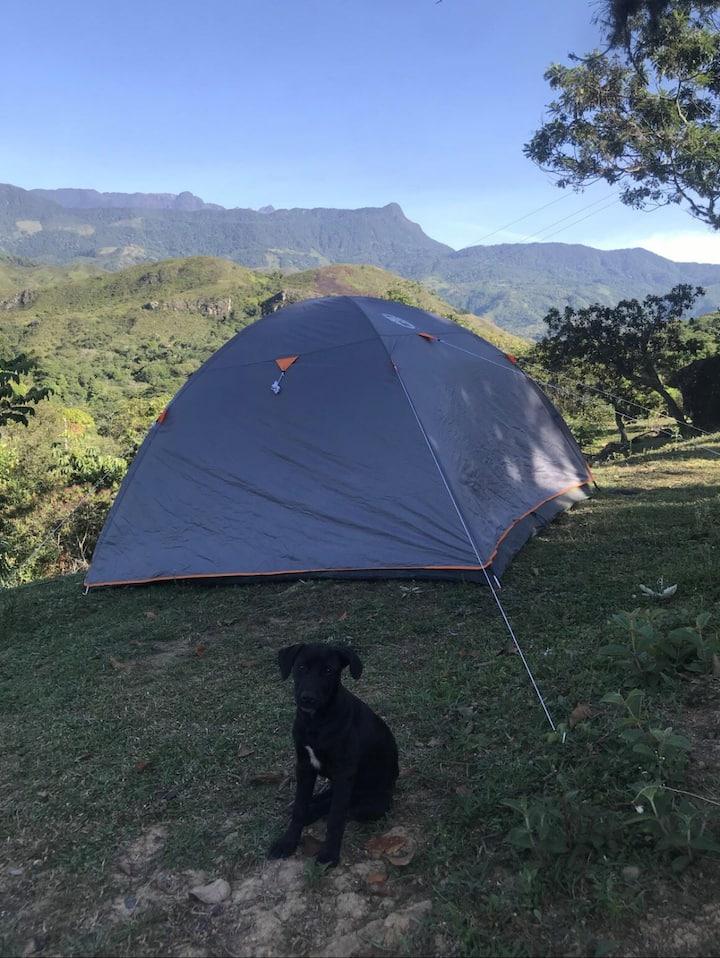 Camping en la montaña.