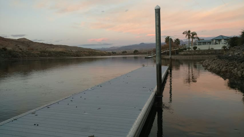River front 2BR,2.5BA $1M View! - Bullhead City