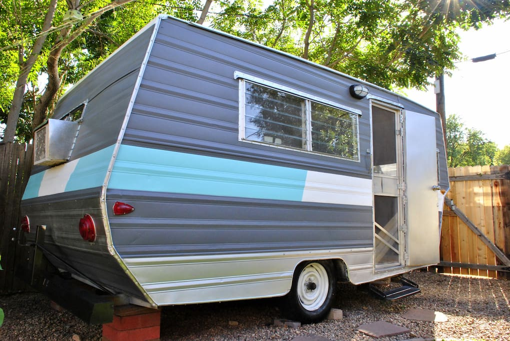 Unique Downtown Backyard 39 Tiny House 39 Campers Rvs For