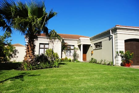 Home near sea & golf courses  - Somerset West