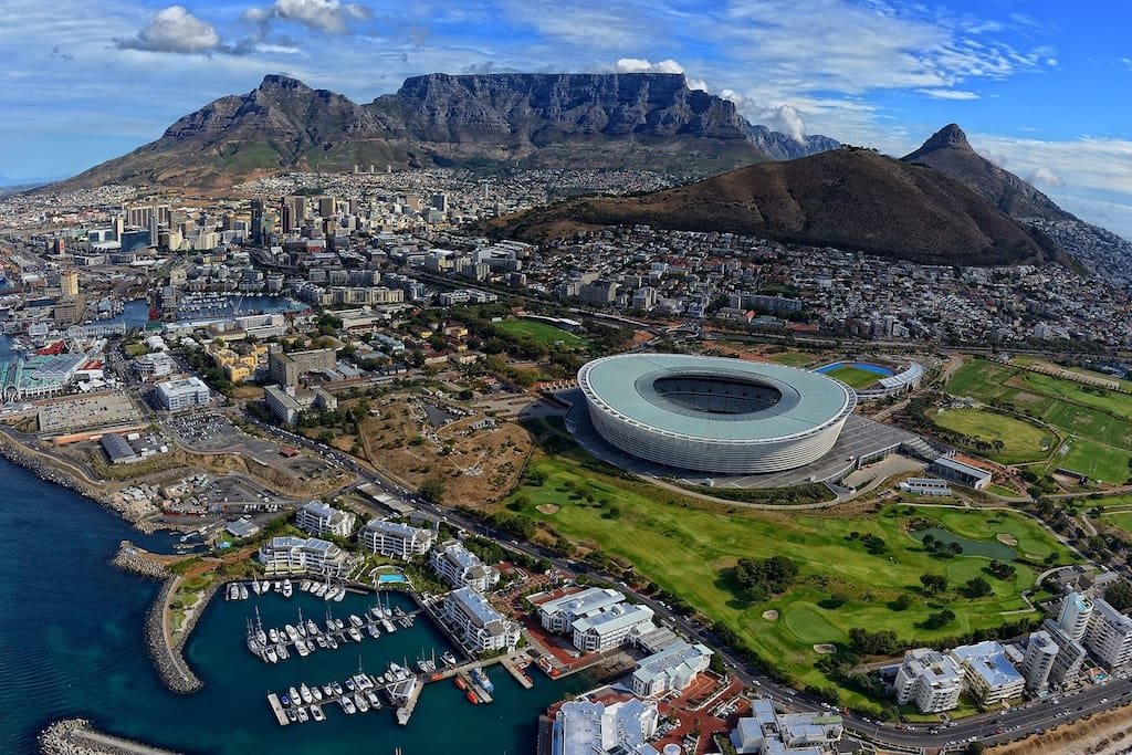 Aerial view of Cape Town, courtesy of http://www.marquestravelandtours.com/