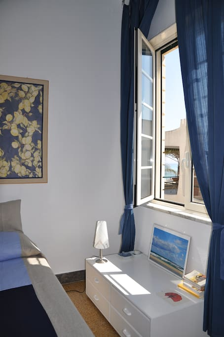 The terrace on mondello 39 s gulf bed breakfasts for rent for La fenetre apartments san jose