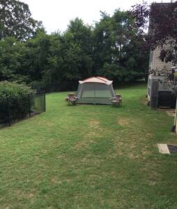 Camping with Benefits Site 1 - La Plata - Zelt