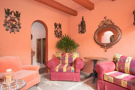 The Green Room in the heart of SMA - San Miguel de Allende - House