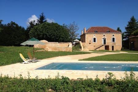 Villa avec piscine 8 personnes  - Sainte-Foy-de-Belvès - Дом
