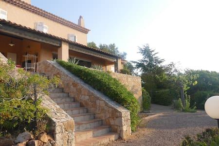 Villa colline d' Antheor, vue imprenable - Saint-Raphaël