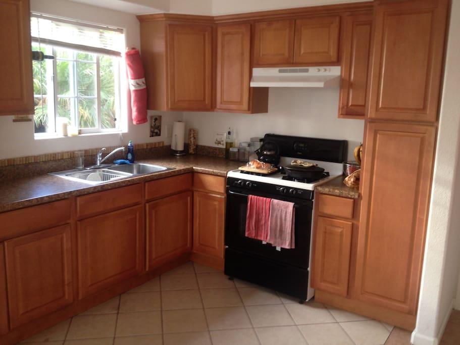 Working kitchen area