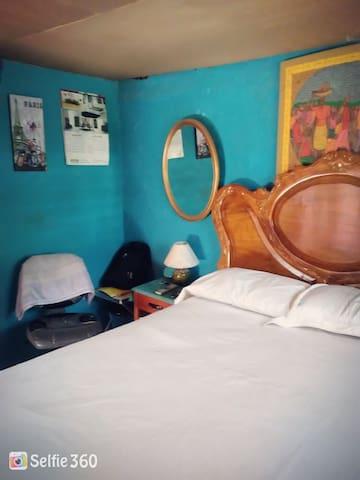 Carrefour, chambre avec balcon