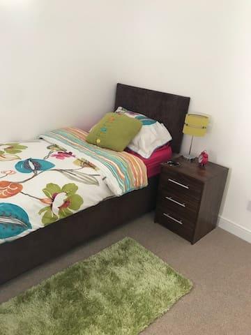 Single Room in Salisbury