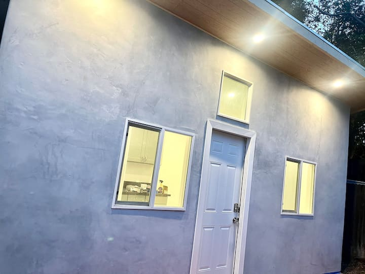 Brand New Tiny House By Culver City