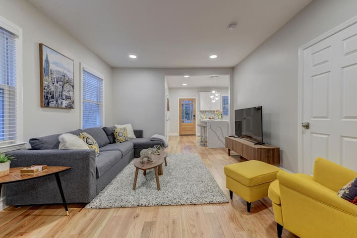 Open-concept living room and kitchen.