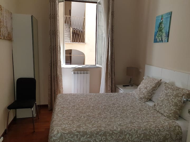 Single room near colosseum