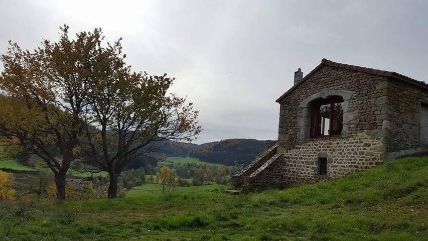 Halte sur le chemin de Compostelle - Croisances - Hus