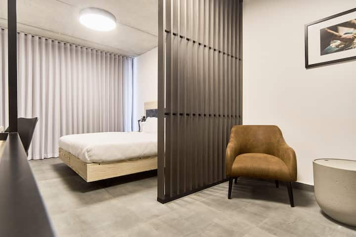 Luxury Hotel Room in the heart of Sliema