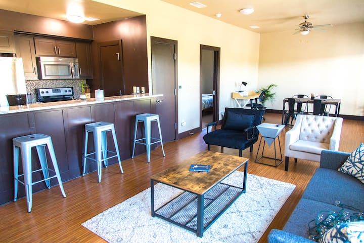 Fort Worth Quiet Loft 203 - Walk to Magnolia Ave!