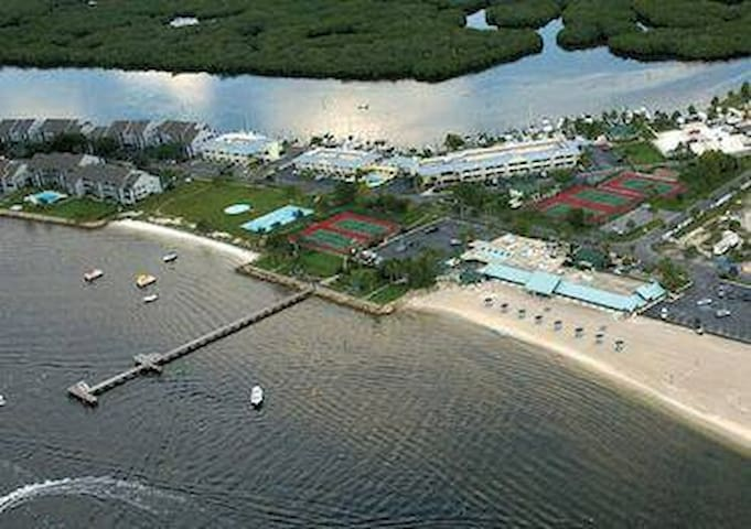 Townhome in Beach & Marina Resort on Tampa Bay