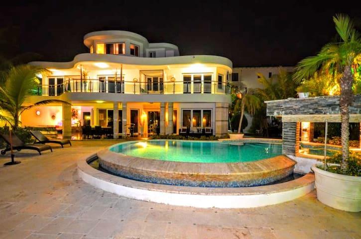 Villa Platinium Sosua's  Bachelor Place #1 - Sosúa - Rumah
