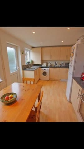 Central Cheltenham - 2 bed House - Cheltenham - Casa