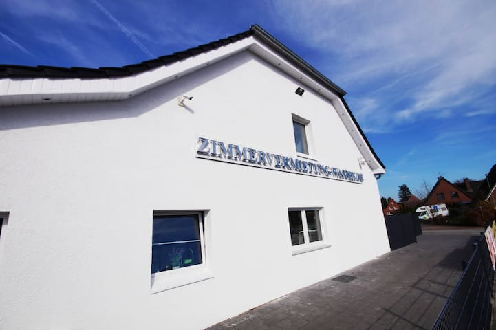 HQuality Location near Neumünster/2min. HighWay A7 - Wasbek - Huis