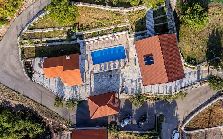 Villa Marija**** villa s bazenom pored Splita