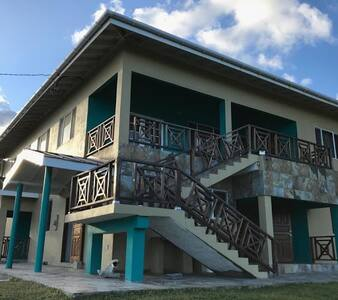 First Blast Beach house Apt2