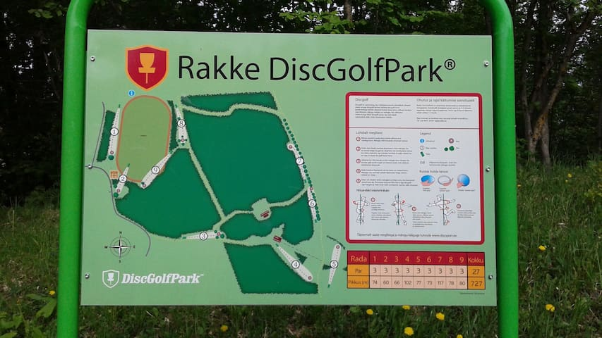 Rakke DiscGolfPark starts from stadium, 300 m from the house