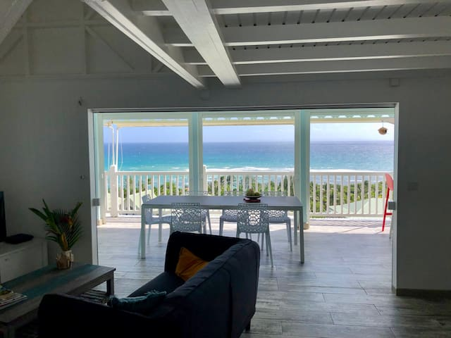 Le charme créole vue mer, piscine à débordement