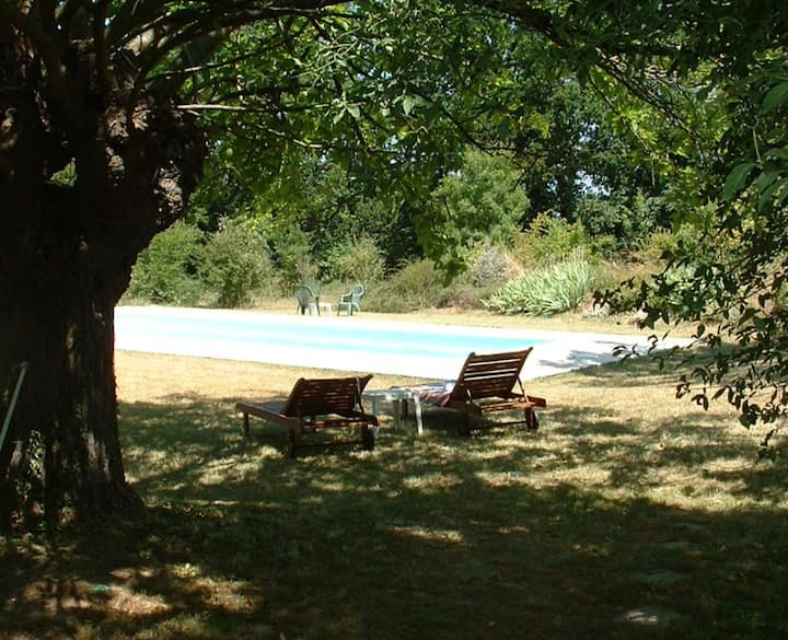 Traditional farmhouse, Sleeps 8, Pool, Space