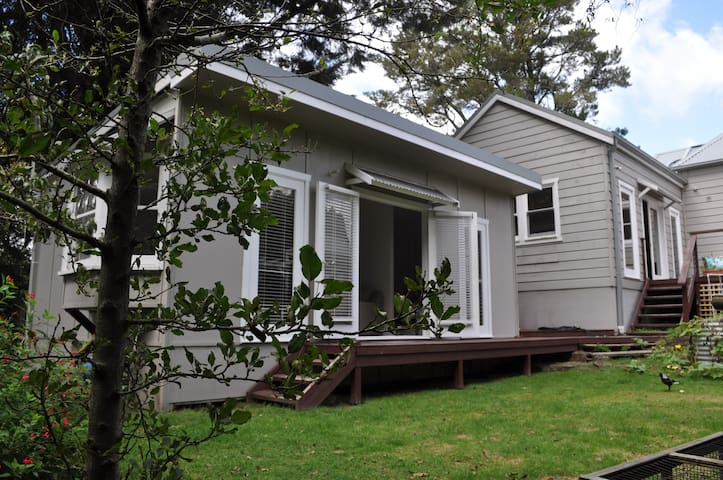 BEST LOCATION self-contained studio apartment - Wentworth Falls - Apartemen