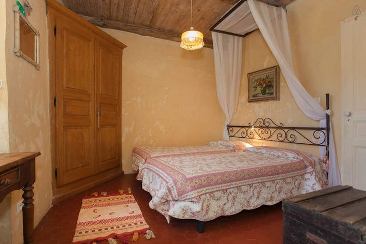 Camera Corbezzolo vicino a Bastia - Cagnano - Bed & Breakfast