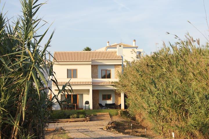 Villa Baxri - Bordeira - Haus