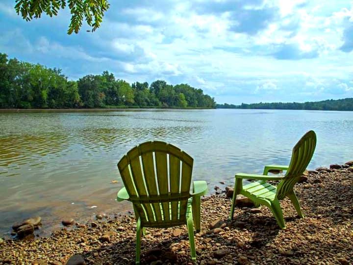 Enjoy Breezes on the James River