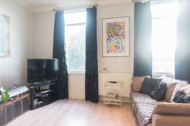 Double room, London Fields, Hackney