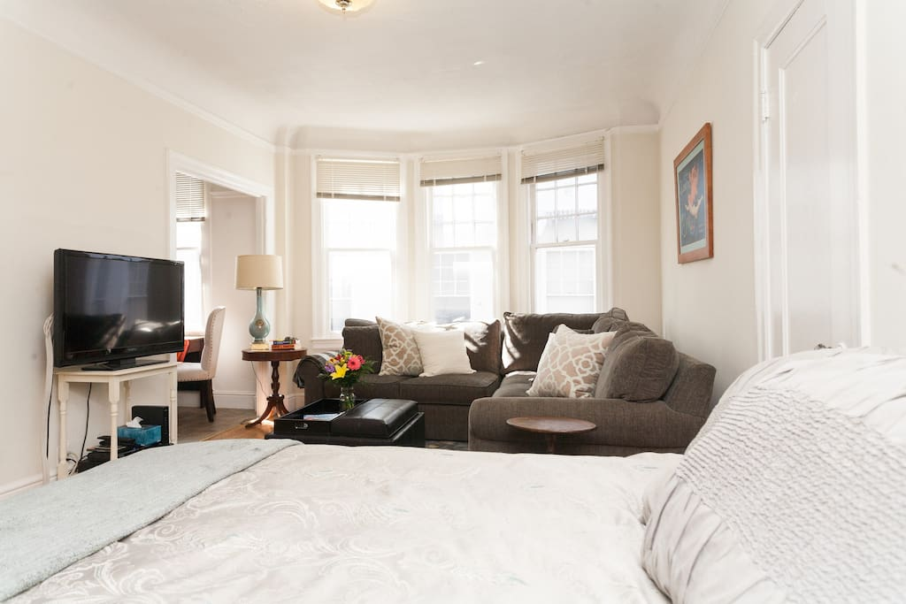 Full bed, flat screen TV with full cable package, including HBO and Starz