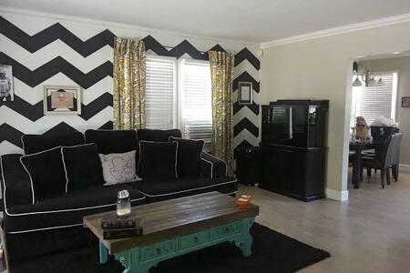 Quiet gated home in Canoga Park - Los Angeles - Haus