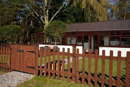 Warren Cottage HOT TUB, GAMES ROOM, POOL, TENNIS - Aylsham - Cabana
