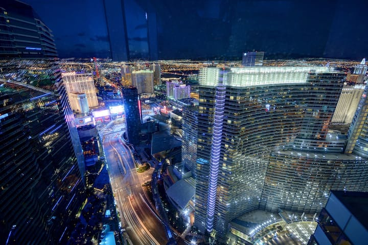Vdara SKYVILLA One Bedroom Panoramic View (RARE)