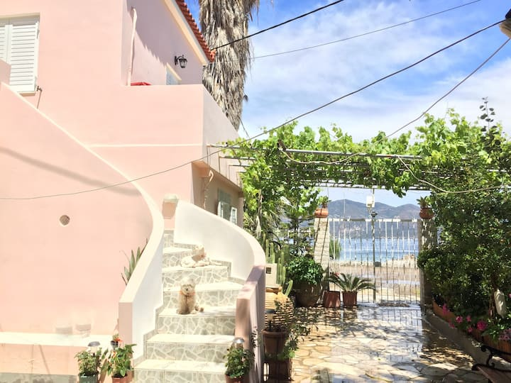 Seaside studios- Kalloni - near Poros & Epidaurus