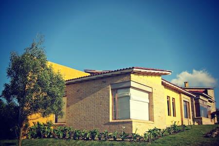 Casa en la laguna del sisga - Chocontá - Dom